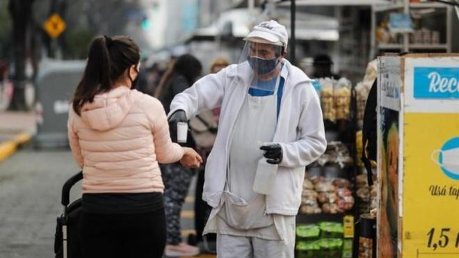 Pico de contagios en Argentina